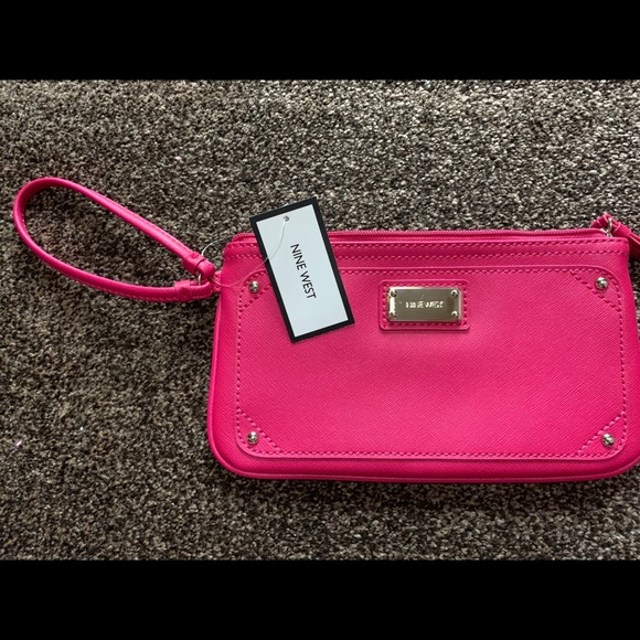 Nine West Handbags - Nine West Wristlet